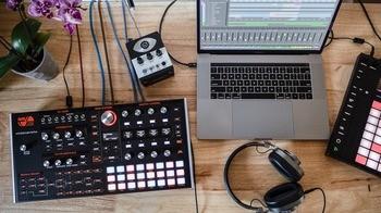 Ashun Sound Machines Hydrasynth Desktop / Rack : Hydrasynth Desktop Up