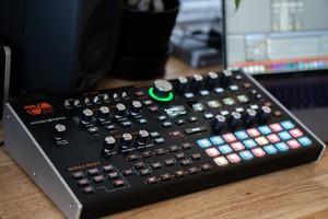 Ashun Sound Machines Hydrasynth : Hydrasynth Keyboard Slant 2