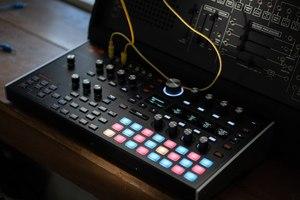 Ashun Sound Machines Hydrasynth : Hydrasynth Keyboard Slant