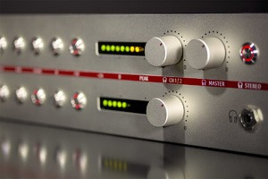x1_V-402-Side-Right_Neumann-PreAmp_G