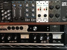 Sphere Recording Consoles Fab 500 : Fab 500 in rack