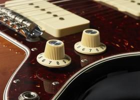 Fender_AmProII_Jazzmaster_Detail_6