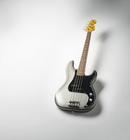 Fender_AmProII_PBass_Hero2-Wide