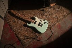 Fender_Noventa_ProductLifestyle_12