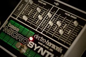 Electro-Harmonix Bass Micro Synthesizer