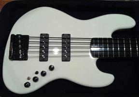 Active Bass