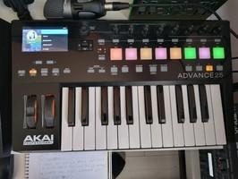 Akai Professional Advance 25 (50544)