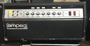 Ampeg SVT (681)
