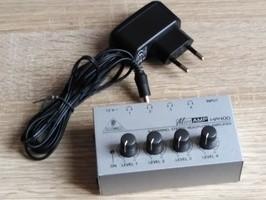 Behringer MICROAMP HA400 (80217)
