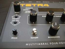 Dave Smith Instruments - Tetra