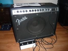 Fender Roc Pro 1000 (37923)