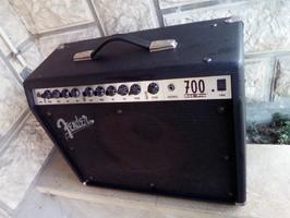 Fender Roc Pro 700 (50816)