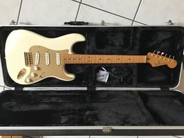 Fender Standard Stratocaster [1990-2005] (15249)