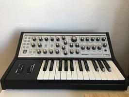Moog Music Sub Phatty (71649)