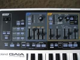 "Roland SH-01 ""Gaia"""