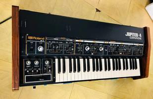 Roland Jupiter-4 (2979)
