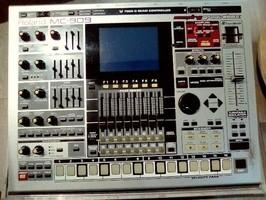 Roland MC-909 Sampling Groovebox (27304)