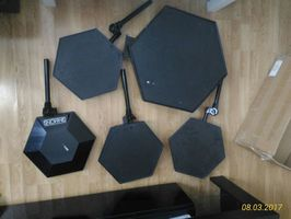 SIMMONS SDS 8  DRUM PADS - 150 €