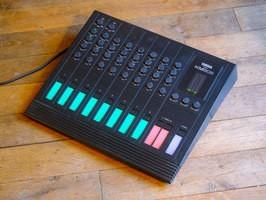 Yamaha KM802 (89944)
