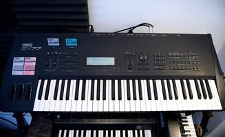 Yamaha SY77 (34092)