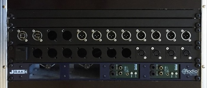 LIVE RACK 01 (Top Vue 4U Details)