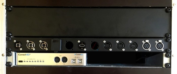 LIVE RACK 02 (Top Vue 4U Details)