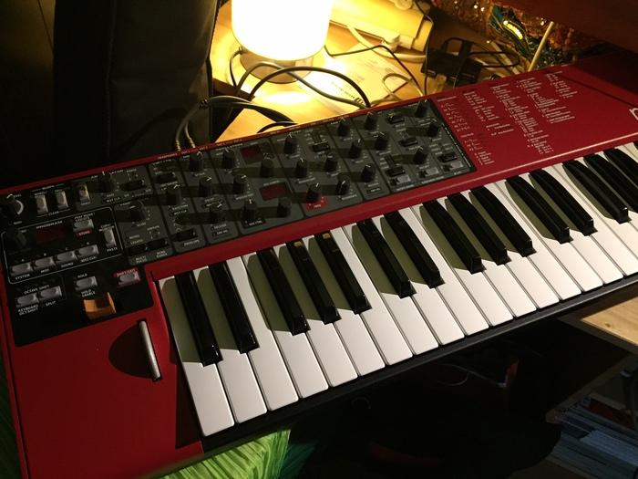 Roland V-Synth GT lambrase images