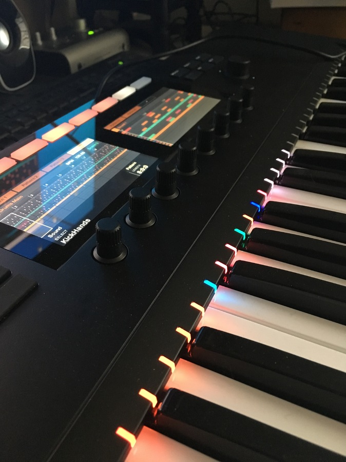 Native Instruments Komplete Kontrol S49 mk2 : lightguide