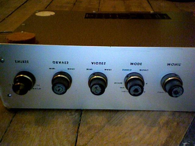 vieil ampli audiotecnic lampes tournedisque comment. Black Bedroom Furniture Sets. Home Design Ideas