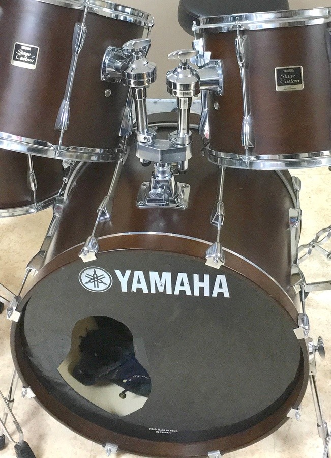 YAMAHA Stage Custom 5 fûts Std 4 copie.JPG