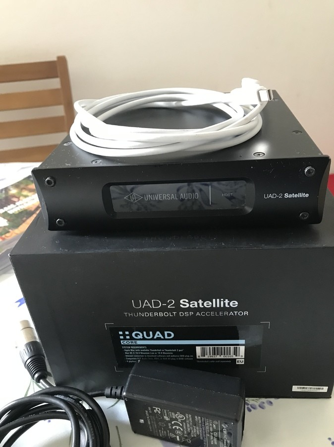 universal audio uad 2 satellite thunderbolt quad core 2056919
