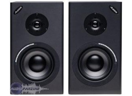 alesis monitor one mkii 586