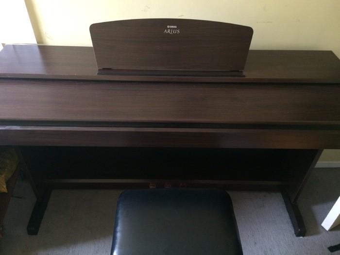 Piano2(1).JPG