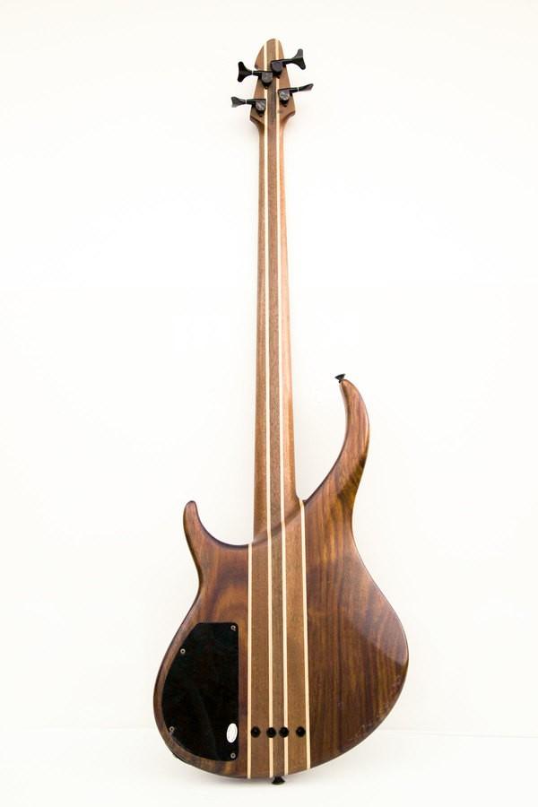 basse peavey custom 02