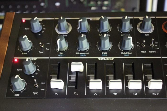 MiniBrute2S 2tof 06.JPG