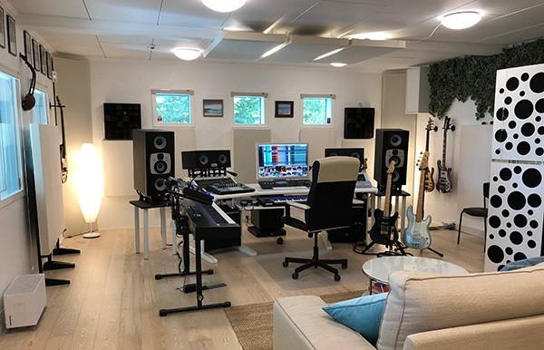 Scarbee's-new-studio