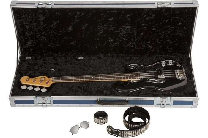 Fender-Custom-Shop-Limited-Edition-Phil-Lynott-Precision-Bass-in-case-1000x667