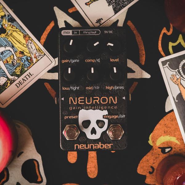 neuronhalloween
