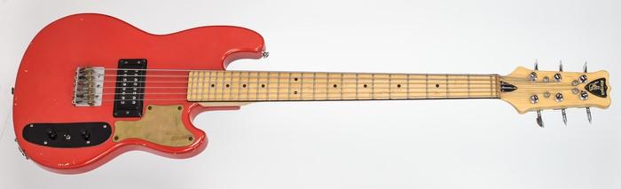 Eastwood-Guitars-Hooky-Bass-6-Pro