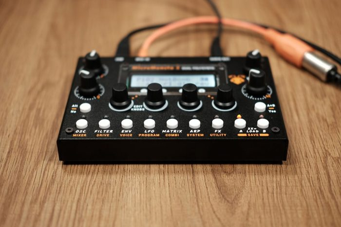 audiothingies-micromonsta2-front-angle1-1080x720