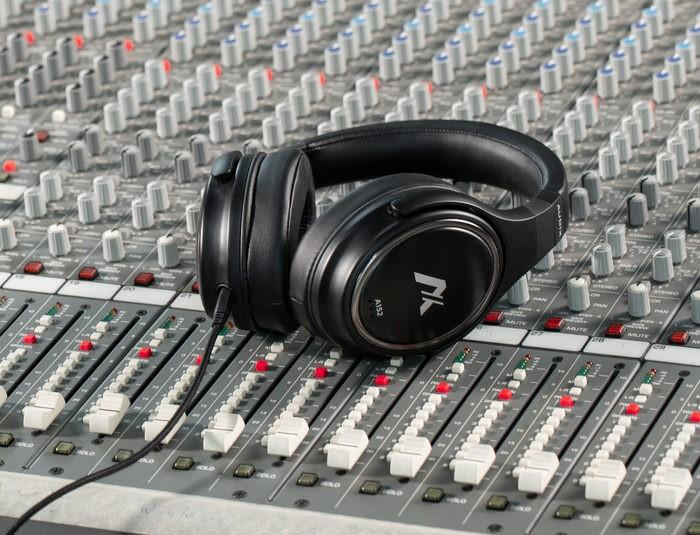 audix_headphone_hero3-1920x1468