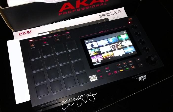 Akai MPC Live (28509)