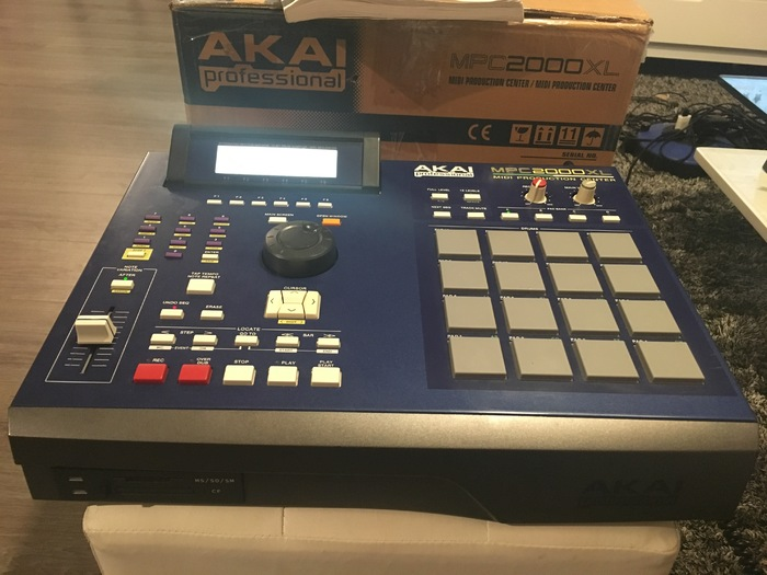 Akai MPC2000XL reeklessone images