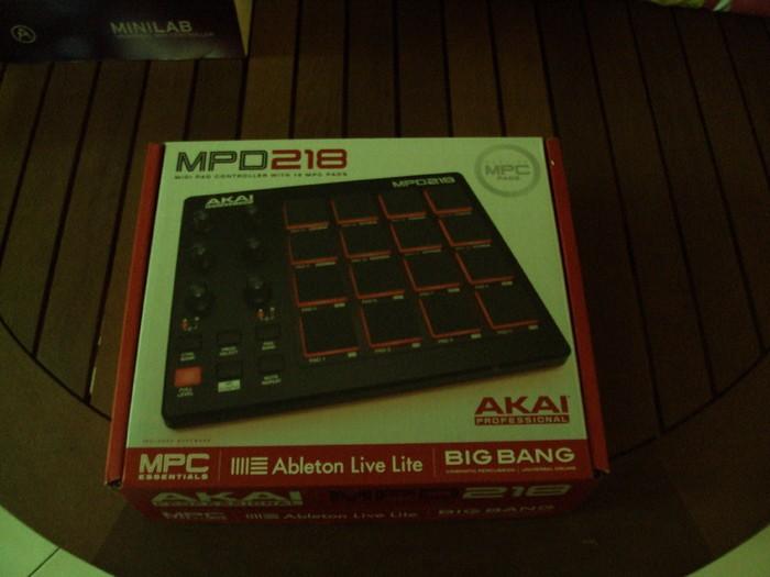 Akai MPD218 (71717)