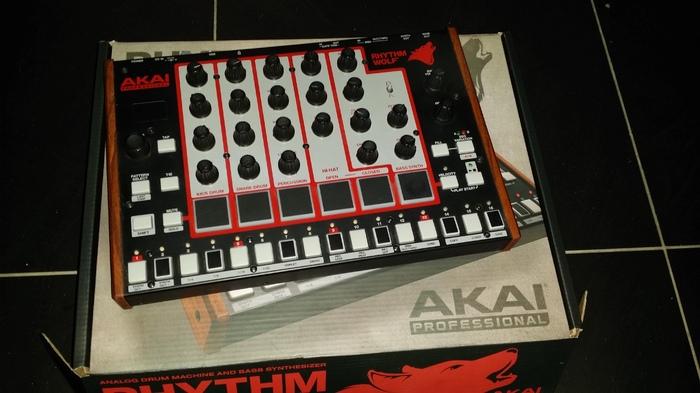Akai Rhythm Wolf aubien images
