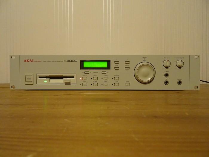 Akai S2000 (69585)
