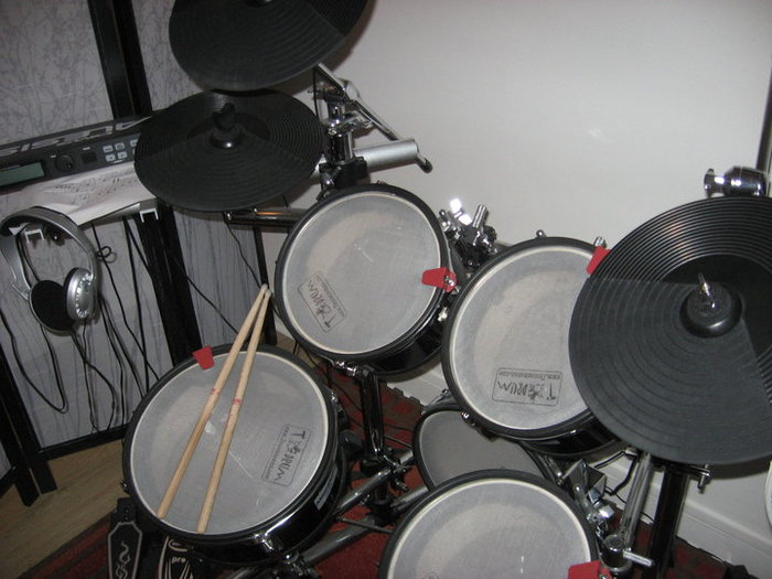 Alesis DM5 Kit Satyrifrost images