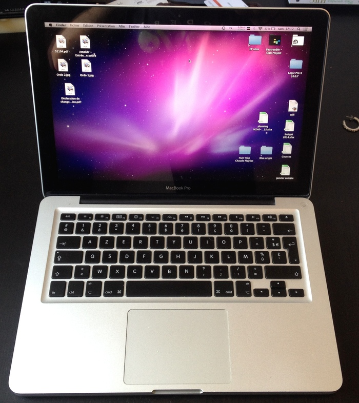 photo apple macbook pro 13 pouces apple macbook pro 13. Black Bedroom Furniture Sets. Home Design Ideas