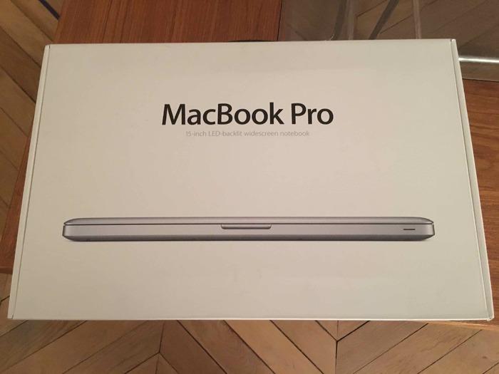 photo apple macbook pro i7 15 4 apple macbook pro 15 i7. Black Bedroom Furniture Sets. Home Design Ideas