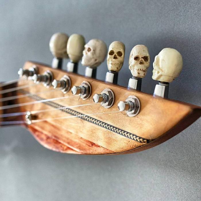 whale guitar3